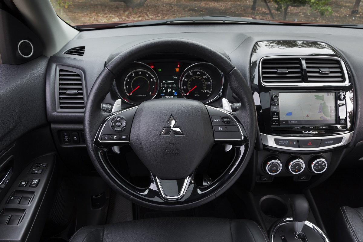 Review 2017 mitsubishi outlander sport the budget - Mitsubishi outlander 2017 interior ...