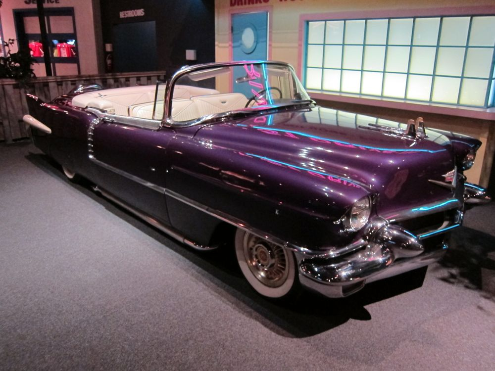 Elvis Presley Had Some Pretty Awesome Cars Bestride