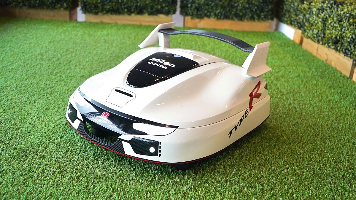 honda made a type r lawnmower because why not bestride. Black Bedroom Furniture Sets. Home Design Ideas