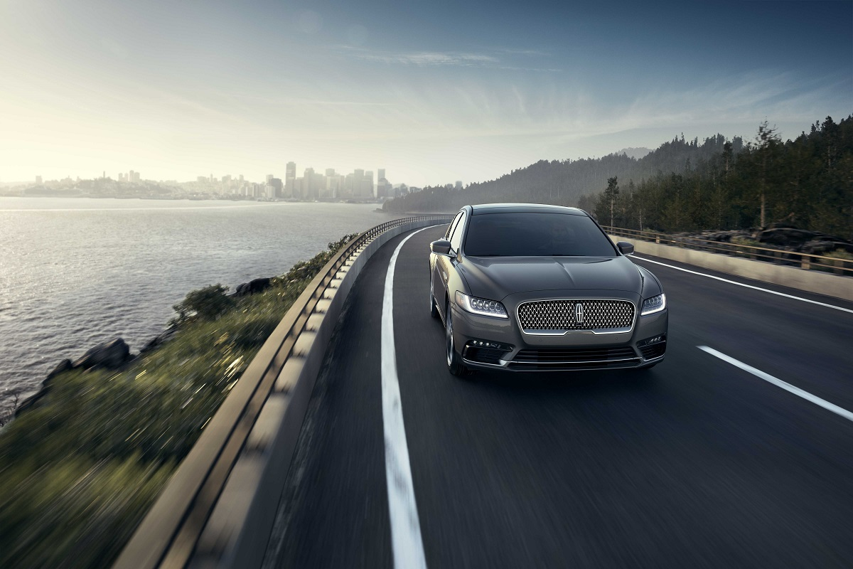 Review 2017 Lincoln Continental Is Big American Luxury Bestride