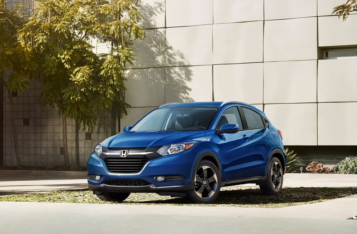 review 2018 honda hr v is a versatile affordable compact crossover bestride. Black Bedroom Furniture Sets. Home Design Ideas