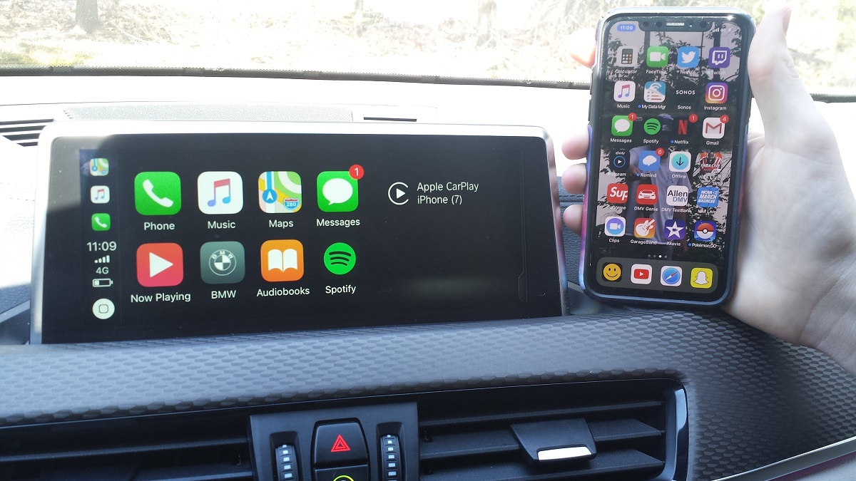 apple carplay android auto update cord free operation. Black Bedroom Furniture Sets. Home Design Ideas