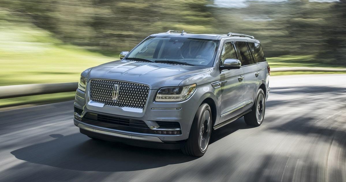 2018 Lincoln Navigator Sets The Bar For Luxury Suvs Bestride