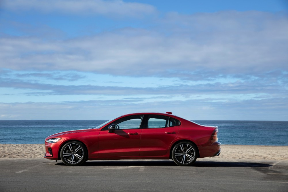 REVIEW: 2019 Volvo S60 T5 R-Design AWD - And the Award For ...
