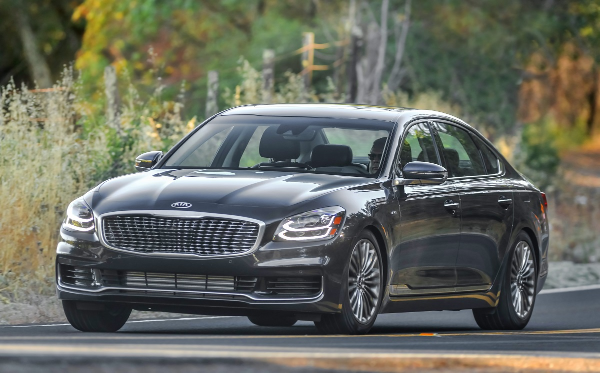 The All-New 2019 Kia K900 - A Fresh Look at Affordable ...