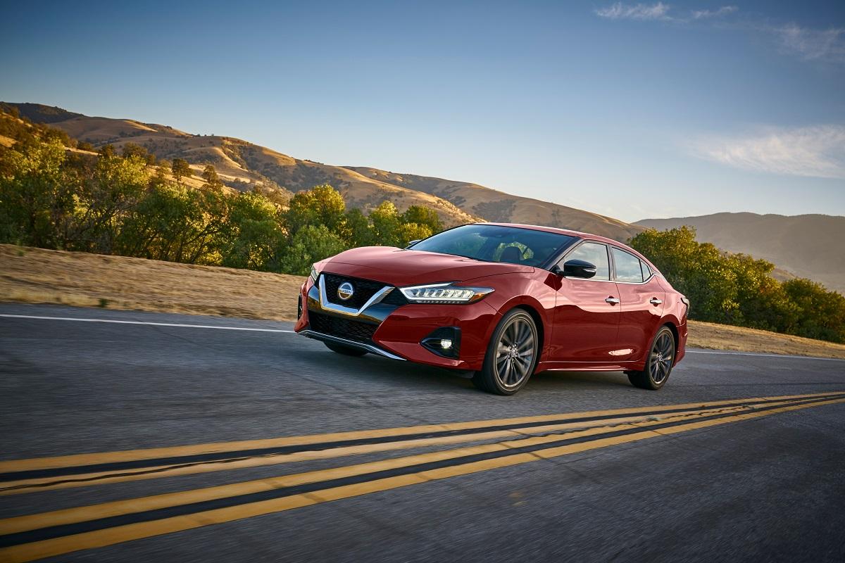 Altima Vs Maxima >> Nissan Maxima Vs Nissan Altima What S The Difference