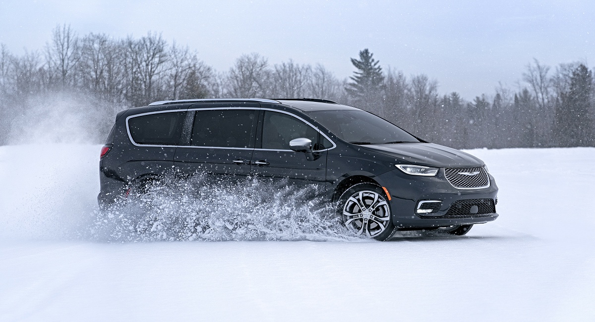 2021 Chrysler Pacifica Profile